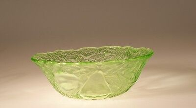 Scarce Vintage Indiana Glass Company Green Avocado Large Berry Bowl c.1925