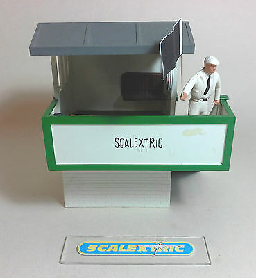 Scalextric Tri-ang Vintage 1960's Marshals Hut with Marshal K704 (LOVELY)