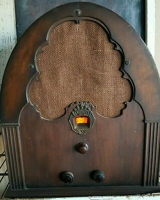 PHILCO Cathedral Tube Radio Model 20 For Parts or Restore!