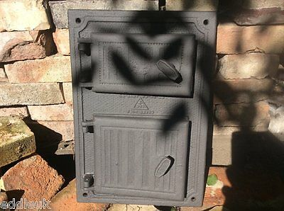 490 x 330mm restored Cast iron fire door clay / bread oven / pizza stove