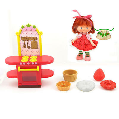 Strawberry Shortcake Berry Bitty Shops with Doll classic special collector's set