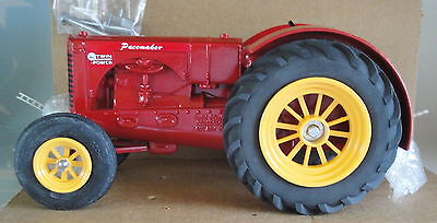 Massey Harris Wide Front Tractor Twin Power 1/16 Scale Speccast Diecast Psoo-268