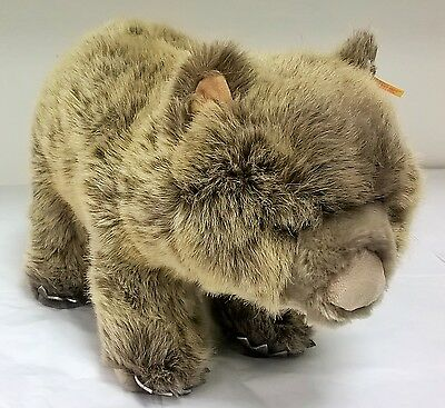 064951 Womby the Wombat 34cm by Steiff