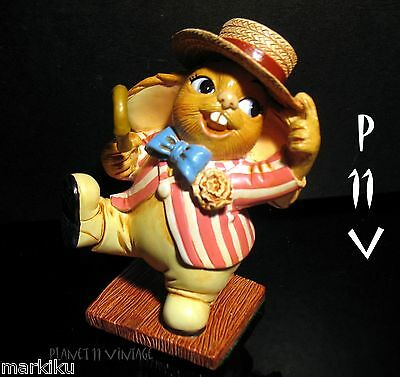 NEW Pendelfin Frankie, Barber shop singer   figurine rabbit Bunny w/ Box