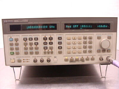 HP Agilent 8644A Synthesized Signal Generator 0.26-2060MHz + Opt 001 002 2GHz!