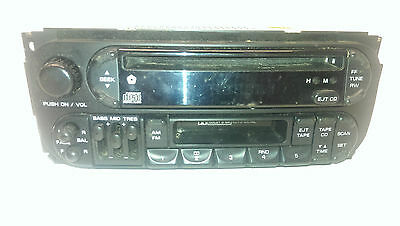 Jeep Grand Cherokee II Autoradio Radio CD Player MP3 # P04858540