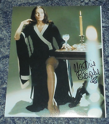 MARTINE BESWICK 10 10x8  PHOTO  SIGNED. JAMES BOND // HAMMER