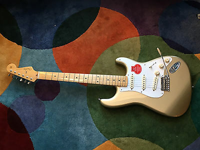 Fender Classic Player 50s Stratocaster Electric Guitar With Fender Case