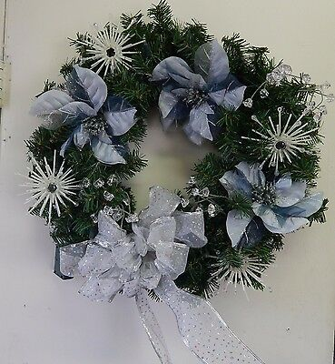 """Lighted Christmas Wreath 18"""" battery operated"""