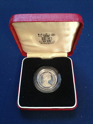 Great Britain 1983 Silver 1 Pound Proof Rare 50K Mintage In Original Holder!