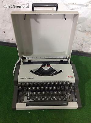 Vintage Olympia AEG Traveller Deluxe S - With Case