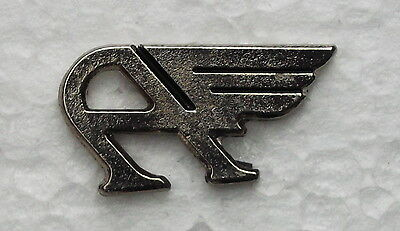 AUSTIN FLYING A LAPEL PIN BADGE. CHROME. 28x15mm. BUTTERFLY PIN FIXING.