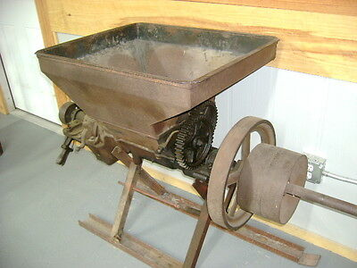 Stover Feed Grinder No. 40