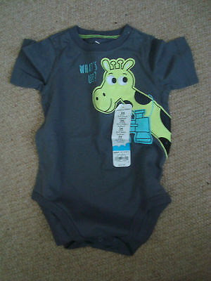 boys short sleeve bodysuit grey with cute giraffe design, 24 months, brand new