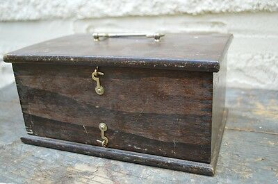Antique Doctor Battery Electronic Medical Device Quackery/Shock Therapy Wood Box