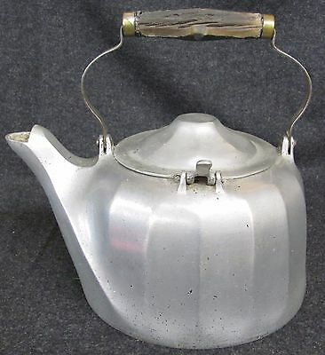 Antique 1909 WAGNER Tea Kettle#8 Cast Aluminum SIDNEY OH (AB569)