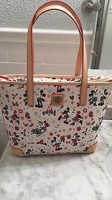 nwt Disney Dooney & Bourke Christmas Holiday Tote