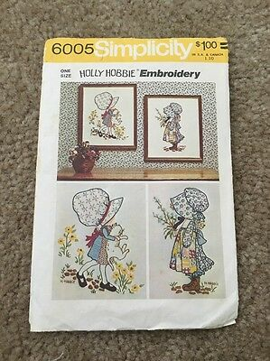 Vintage Simplicity 6005 Holly Hobbie Embroidery One Size Pattern 1973