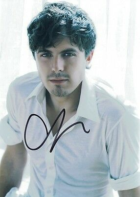 Casey Affleck, Gone Baby Gone autographed 8x10 photo with COA by CHA