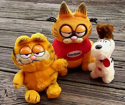 1981 UNITED FEATURE SYNDICATE Pull String Garfield WORKS & Odie Plush Dolls Rare
