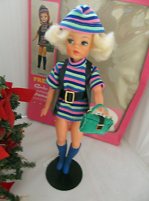 Vintage Pedigree Sindy 1971 Blonde Trendy Girl in Complete College Girl & Box