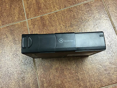 2004 Mercedes-Benz ML350 CD Changer Assembly Used