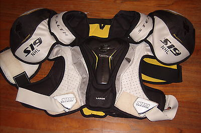 LOS ANGELES KINGS Drew Doughty game-worn Easton shoulder pads (size large)