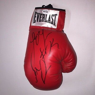Jorge Linares Autographed Everlast Boxing Glove with Fight Plaza COA
