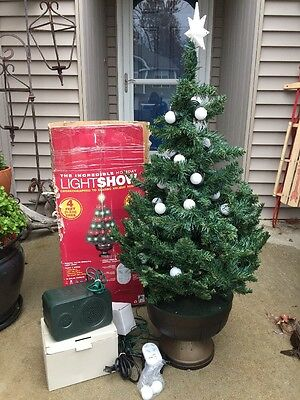 "Gemmy ""the Incredible Holiday Light Show"" 4Ft Christmas Tree W/holiday Songs"