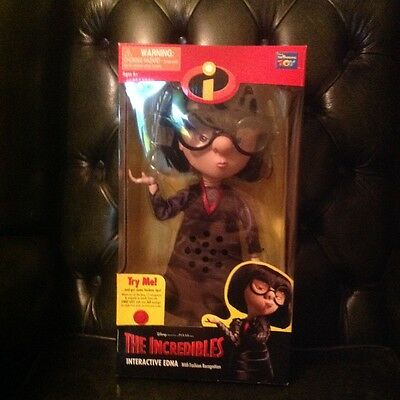 DISNEYS THE INCREDIBLES INTERACTIVE EDNA with fashion recognition