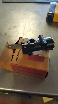 INTERNATIONAL VALVE 432161C91 Car & Truck Parts