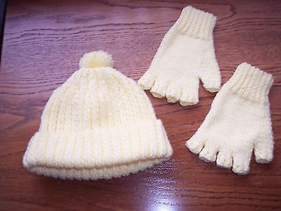 New Hand Knitted Child's Bobble Hat & Fingerless Gloves in DK Wool age 3/5yrs