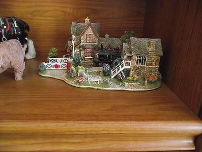 Lilliput Lane Full Steam Ahead with box and deeds