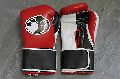 GRANT BOXING - 14 oz Red/Black - Professional Sparring Gloves - Winning Reyes