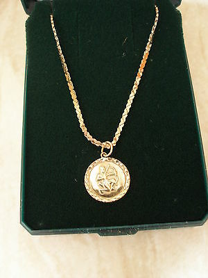 9Ct Gold Sagitarius Pendant Necklace On A Heart Shaped Link Chain