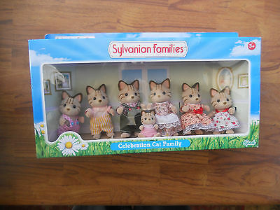 Sylvanian Families Celebration Cat Family .