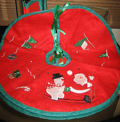 """Plush Red Felt Christmas Embroidered Appliques MINI Tree Skirt Tie Fasteners 12"""""""