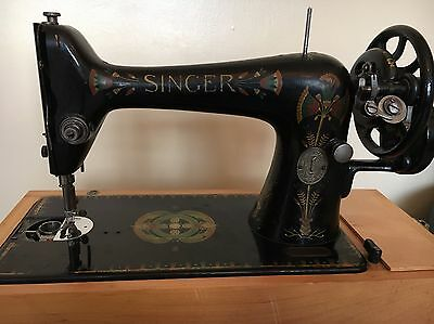 Vintage Singer Sewing Machine 66K Hand Crank with accessories