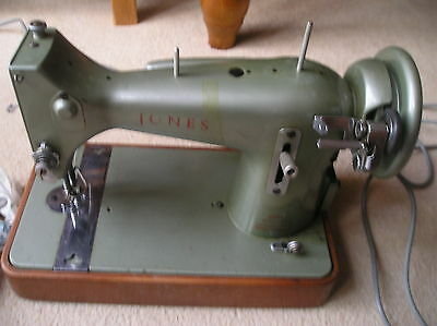 Vintage Jones Electric Sewing Machine Model Cs-E With Extras & Instruction Book