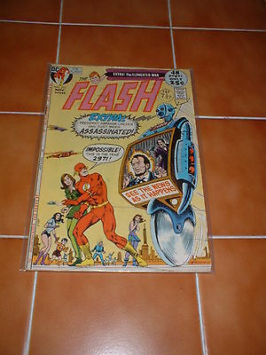 THE FLASH (1st SERIES) 210. NOV 1971. VFN- COND. 52 PAGE ISSUE