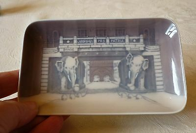 Royal Copenhagen ELEPHANT GATE pin dish c1936
