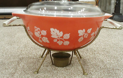 Vintage Gooseberry Pyrex Dish With Stand And Warmer