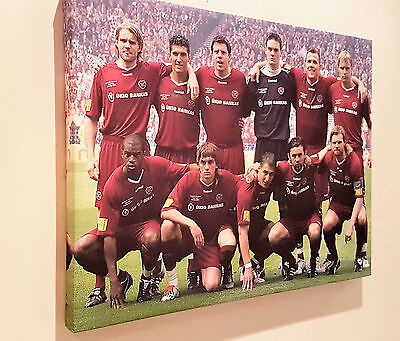 Fabulous Canvas mount of Hearts 2006 Cup Winning Team. Great Christmas Present.