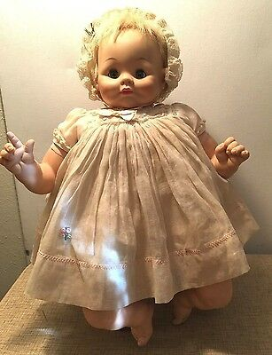 "VINTAGE 1964 MADAME ALEXANDER ""Sugar Darlin"" 18"" BABY DOLL w/ Bib & Shoes"