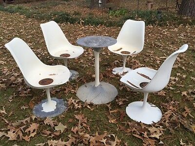 Vintage Set of 4  Knoll Saarinen Tulip Chairs & Table Base for Restoration
