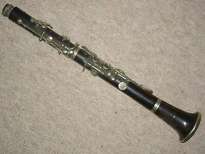 Nice old wooden Eb (?) Clarinet ,2 rings albert system, barrel is missing!