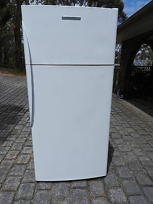 Fisher & Paykel 520Litre Frost Free Refrigerator.