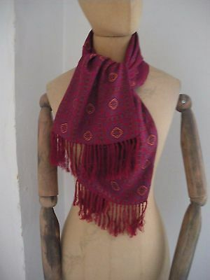Vintage Tootal hexagon patt maroon scarf w/ fringing