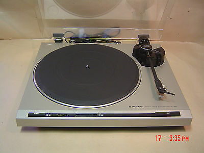 Pioneer PL-320 Turntable. Direct Drive with Stoboscope.