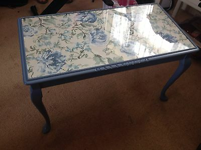 Vintage chic  Coffee Table With Glass inlaid Top